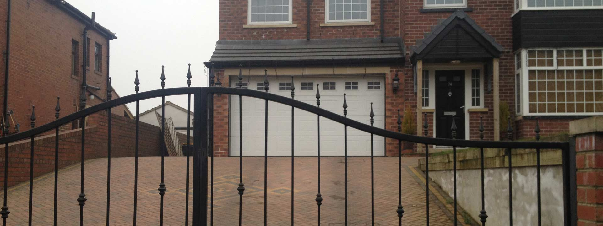 Garage-door-repairs-Leeds
